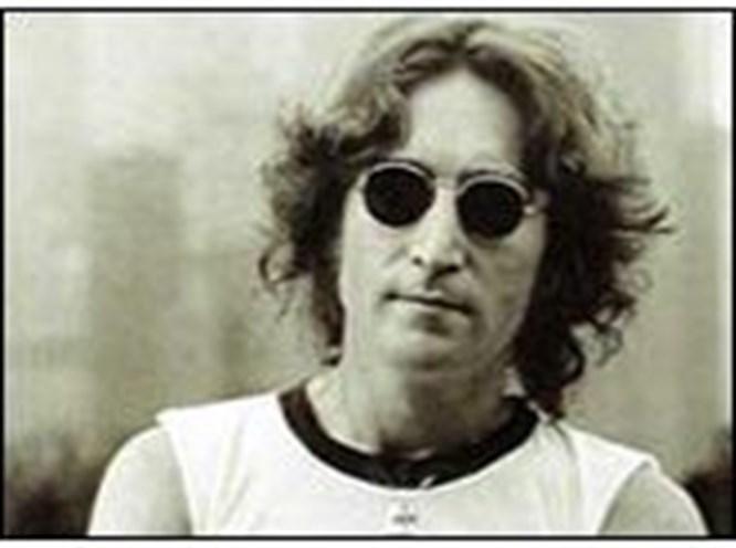 Lennon'a ayıp oldu!